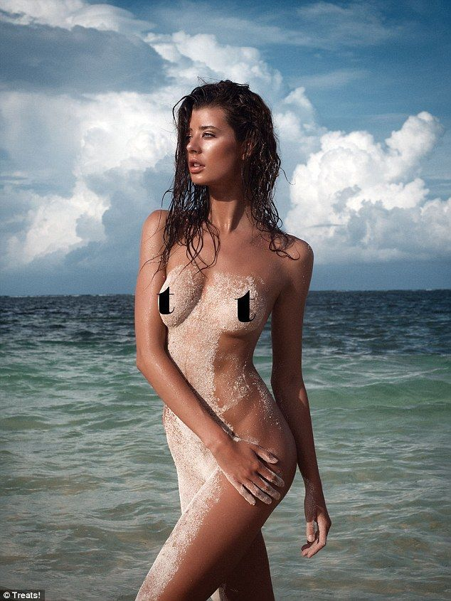 Model Sarah Mcdaniel 21 First Time Poses Nude For Playboy