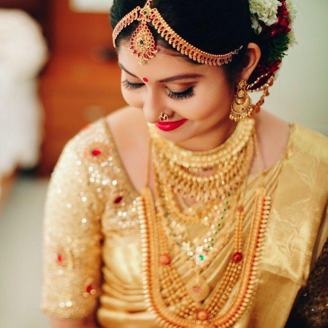 Beautiful Kerala Bride Kerala Bride Indian Wedding Bride Indian Wedding Hairstyles
