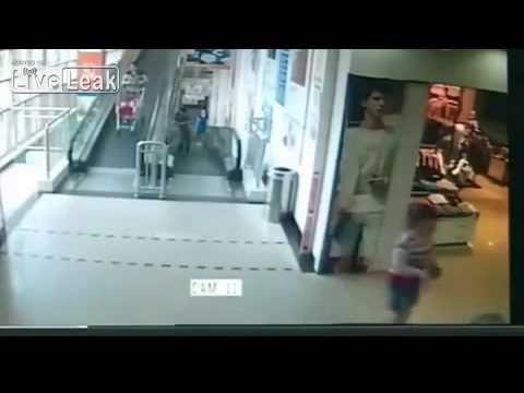 CHINA WOMAN KILLED BY RUNAWAY SHOPPING CART