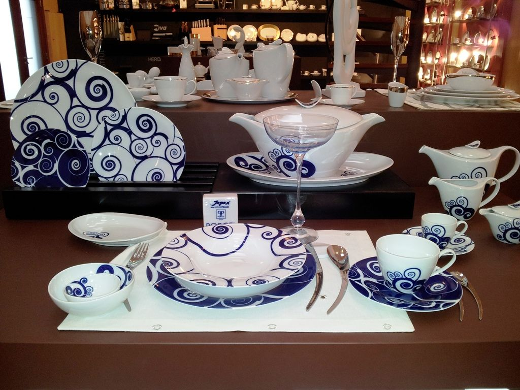 Porcel fine porcelain, made at the Porcel factory in Portugal