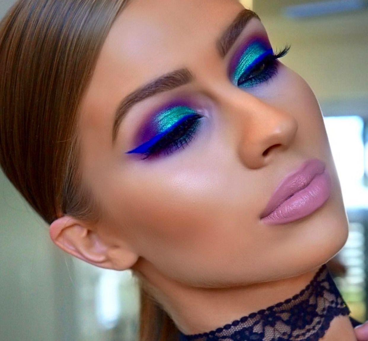 Gorgeous Eye Makeup Fun Colors Bright Eyeshadow Bright Liner