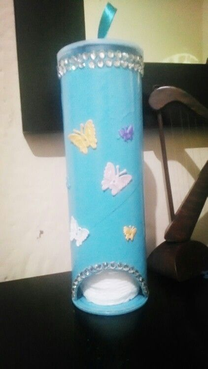 Dispensador para toallitas de algod n hecho con lata de for Dispensador de latas para frigorifico