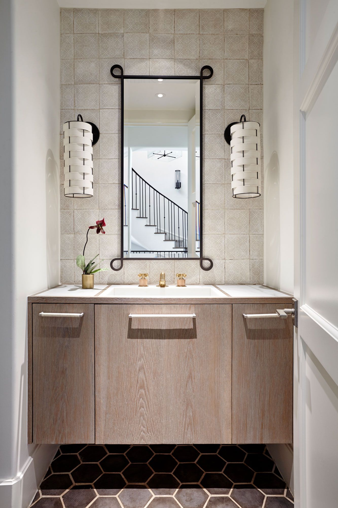 Simple powder room, small space well designed