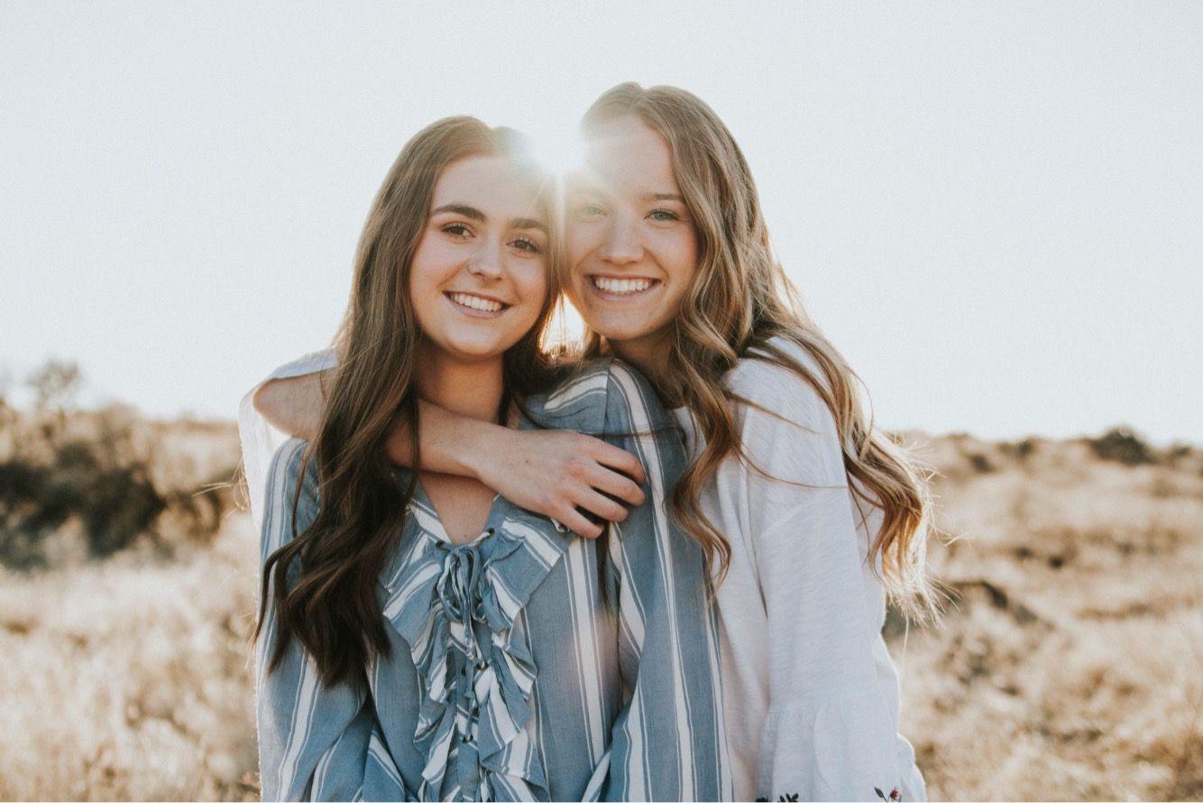 Открытки, картинки красивые про сестер
