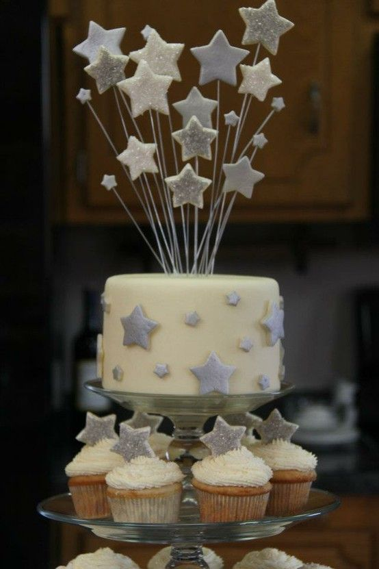 silver stars cupcakes & cake | Cupcake Craze | Star ...