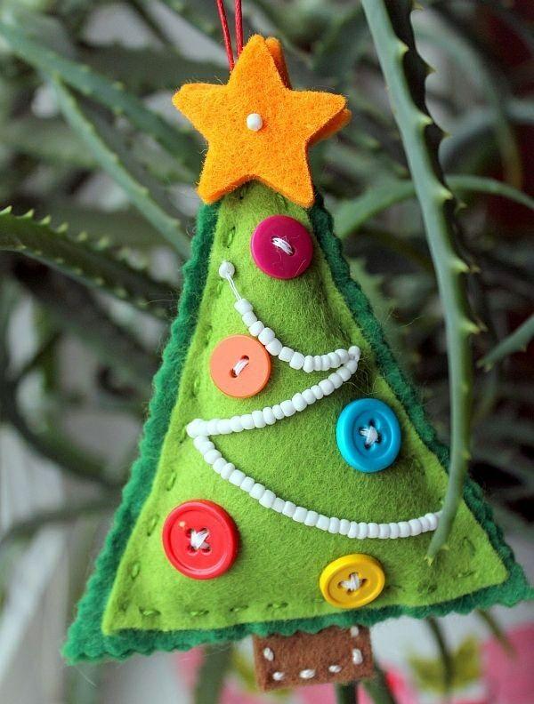 weihnachtsbaumschmuck basteln und den tannenbaum originell schm cken textil. Black Bedroom Furniture Sets. Home Design Ideas