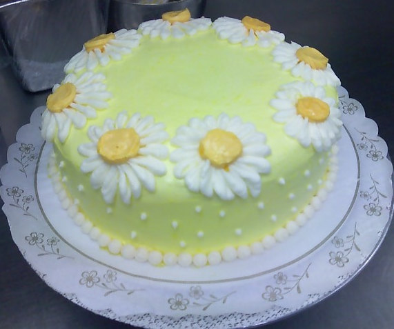 Homemade Decoration For Cake : Homemade mothers day cake with daisy cake decor.PNG ...