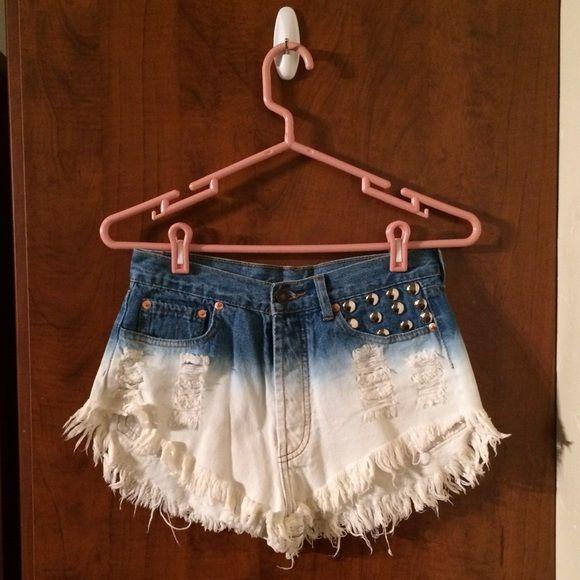 Signature 8 Denim Shorts NWT! Super cute white and blue denim shorts. Super cute for summer! Shorts Jean Shorts