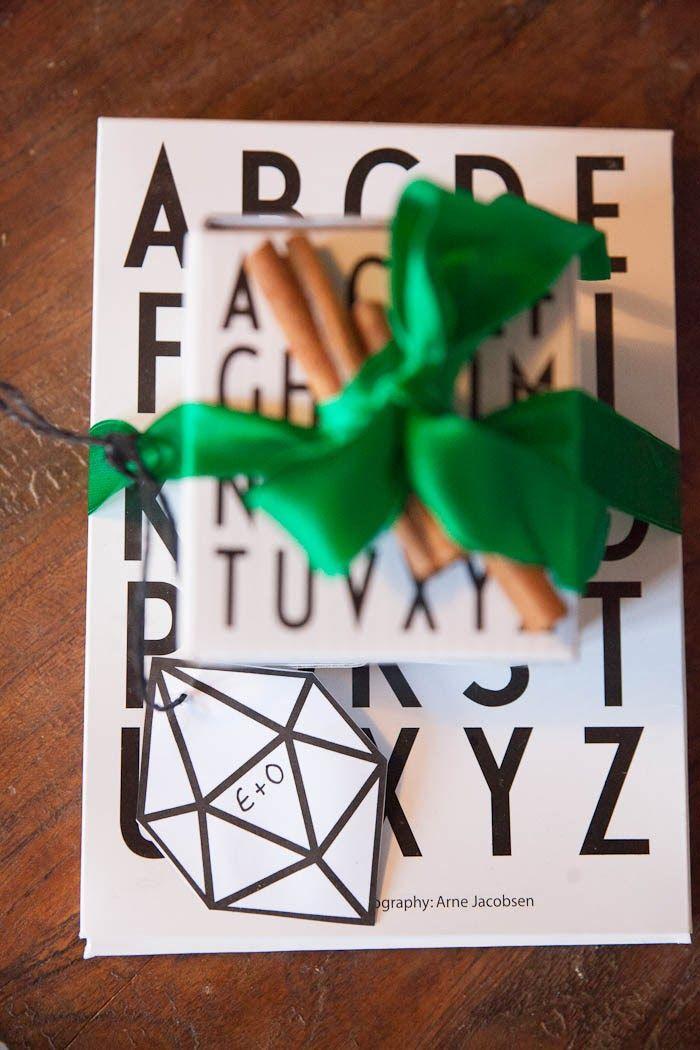 design letters & wrapping via asunto e