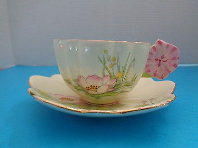 PARAGON FLOWER HANDLE WATER LILY TEA CUP AND SAUCER STUNNING HARD TO FIND RARE