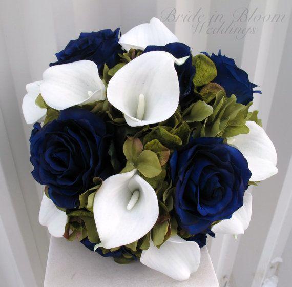 Matrimonio Bed Of Roses : Wedding bouquet navy blue roses sage green white calla
