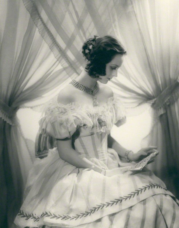 Penelope Dudley-Ward by Paul Tanqueray, 1937