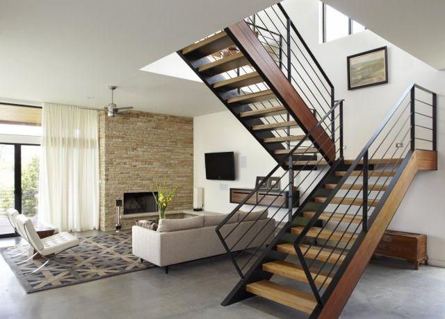 escalier interieur avec palier