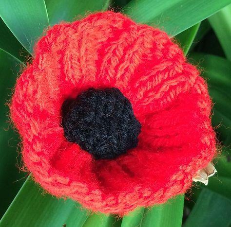 #FreePattern Poppies For ANZAC pattern by Lilian Worner ...