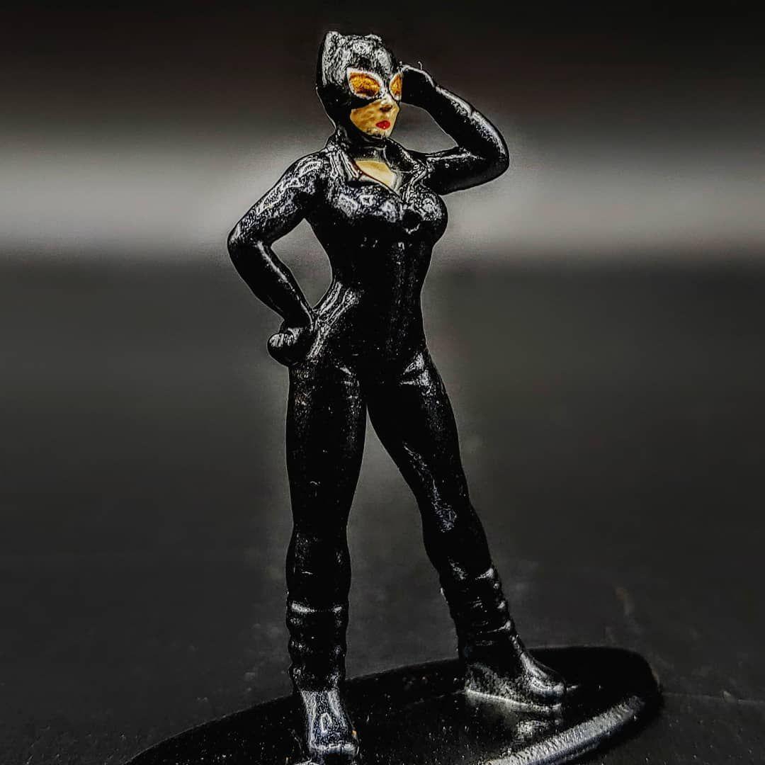 Jada Metals Nano Catwoman... . . . #batman #catwoman #arkhamcity #arkhamorigins #arkhamasylum #photography #toyphotography #featurefriday #jadatoys #jada #metalsdiecast #metals #metalsfigs #nanometalfigs #diecast #diecastcollection #toycollection #jadaclub #diecastcollector #superman #superheroes #superhero #projectrebirth #projectrebirthchannel @jadatoys @metals_diecast