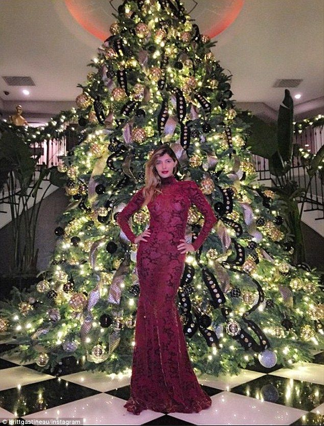 Image result for kris jenner house christmas | Christmas | Pinterest ...