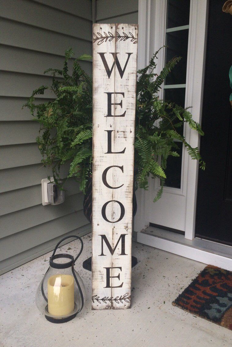 Welcome Sign Painted On Reclaimed Pallet Wood Pallet Crafts Pallet Diy Front Porch Signs