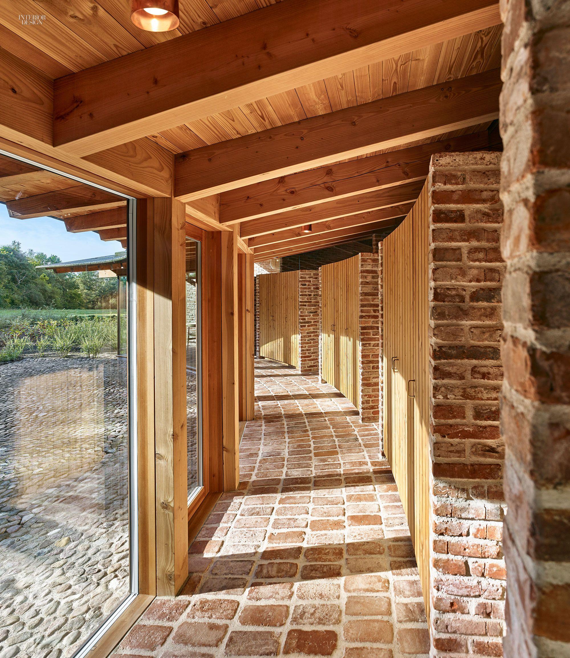 Jan Henrik Jansen Designs Unconventional Round House In