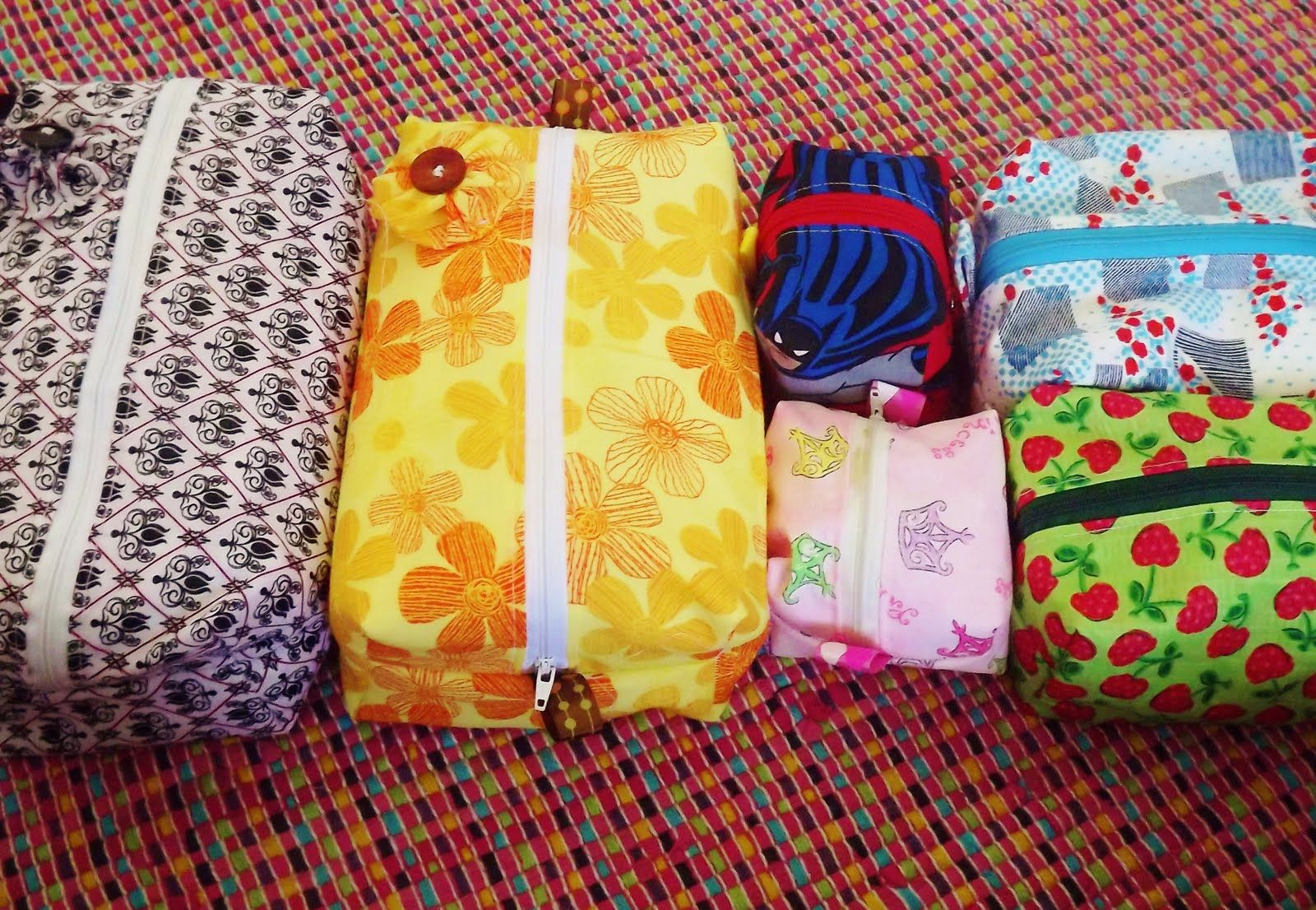 How To Sew A Zippered Cosmetic Bag Free Video Tutorial