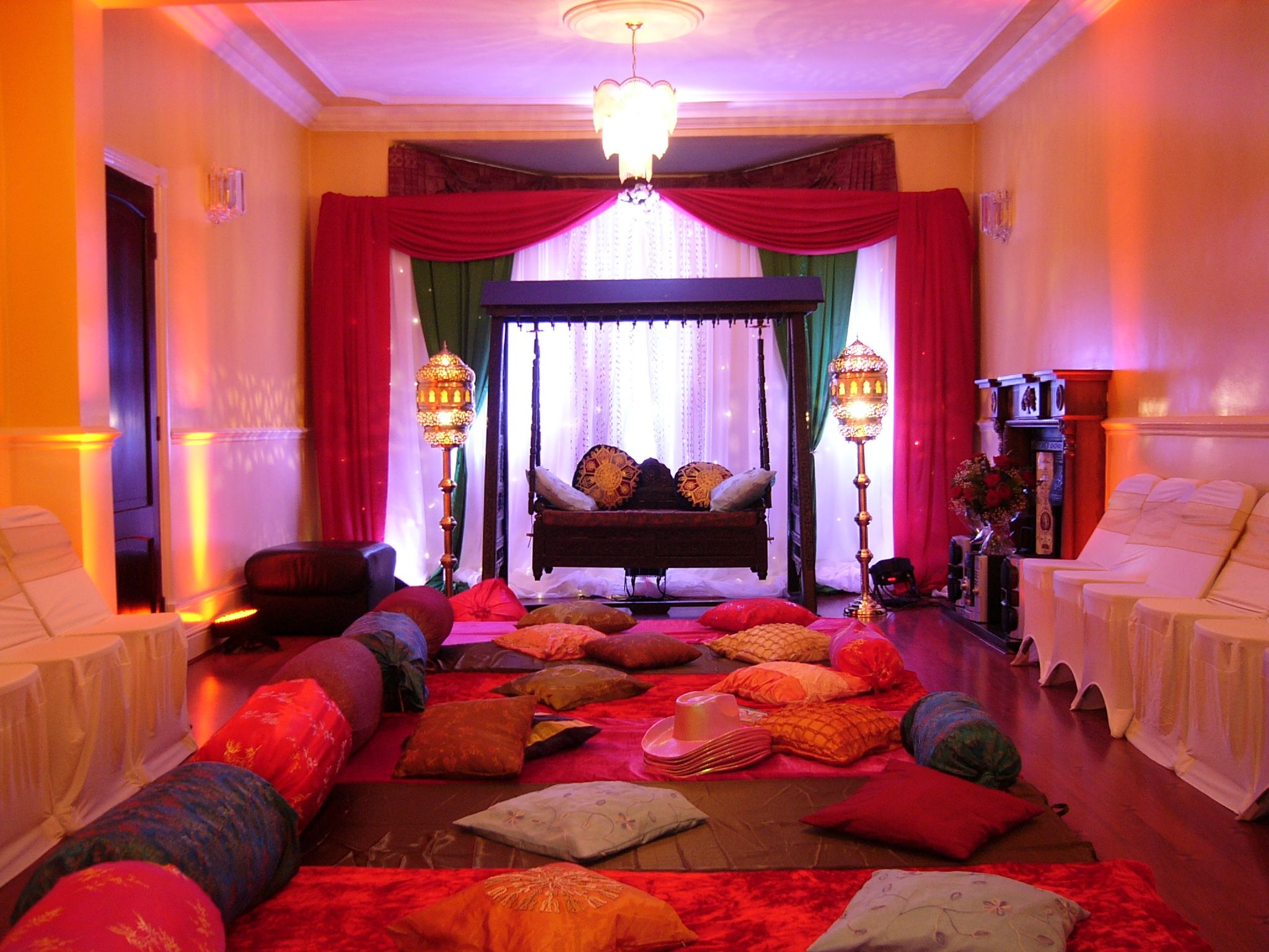 Brilliant moroccan decor living room has some colorful for Home room decoration