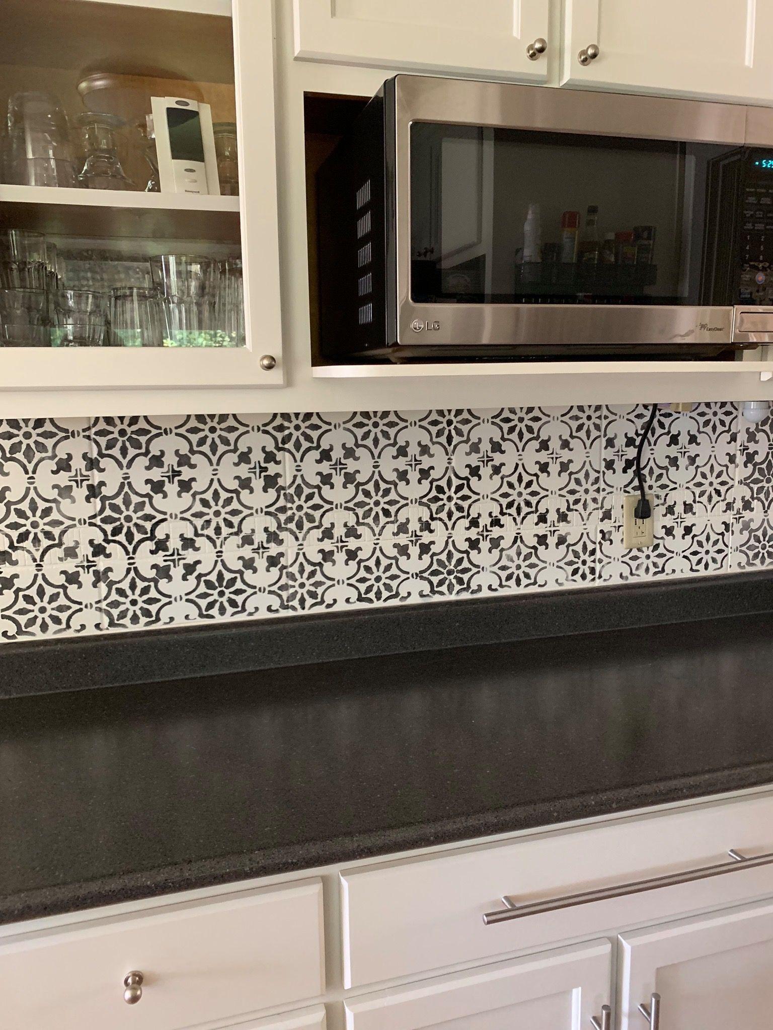 Stenciled Tile Backsplash Using Wise Owl Primer And One Hour Enamel Does Your Backsplash Need An Update Www Wis Wise Owl Paint Wise Owl Tile Backsplash