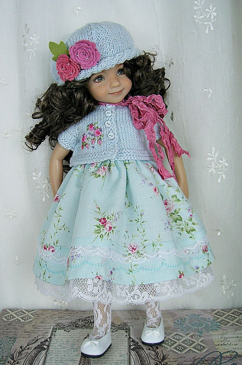 Outfit-for-Dianna-Effner-Little-Darling-13-made-by-Ulla-Floral-Blue