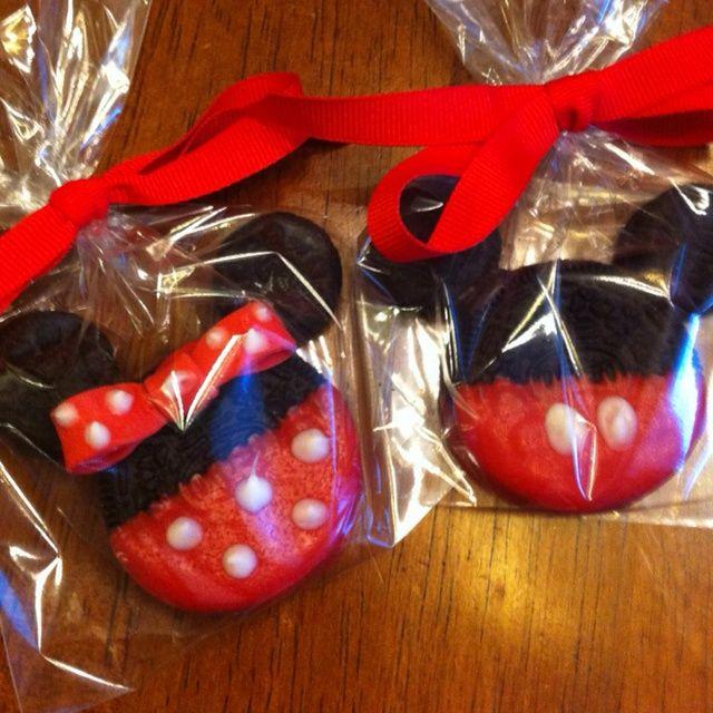 mickie oreo   Mickey and Minnie Mouse Oreo Cookies   Birthday Ideas