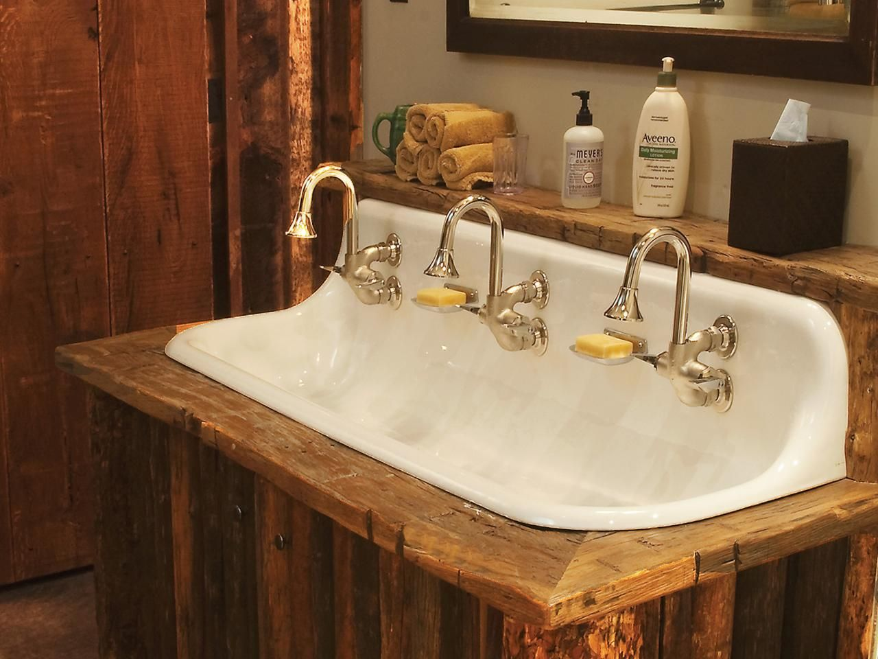 Bathroom sinks with options for everyone - Old Rustic Bathrooms Ci Rustic Elegance Cast Iron Sink Three Faucets Pg148 S4x3 From Larry