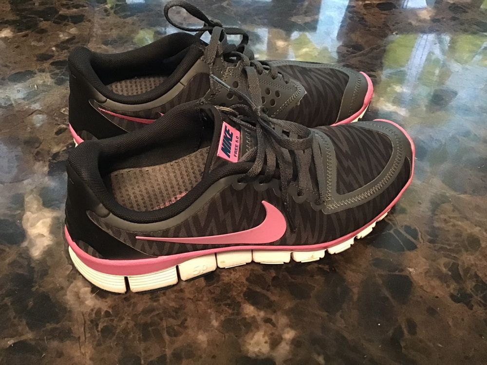 more photos 7e5c5 fd909 Womens Size 7 Nike Free 5.0 Black/Pink Zebra Running Shoes ...