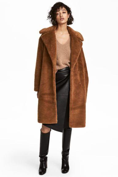 mejor sitio web 2bb51 57723 Abrigo pelo marron – Revista de moda popular