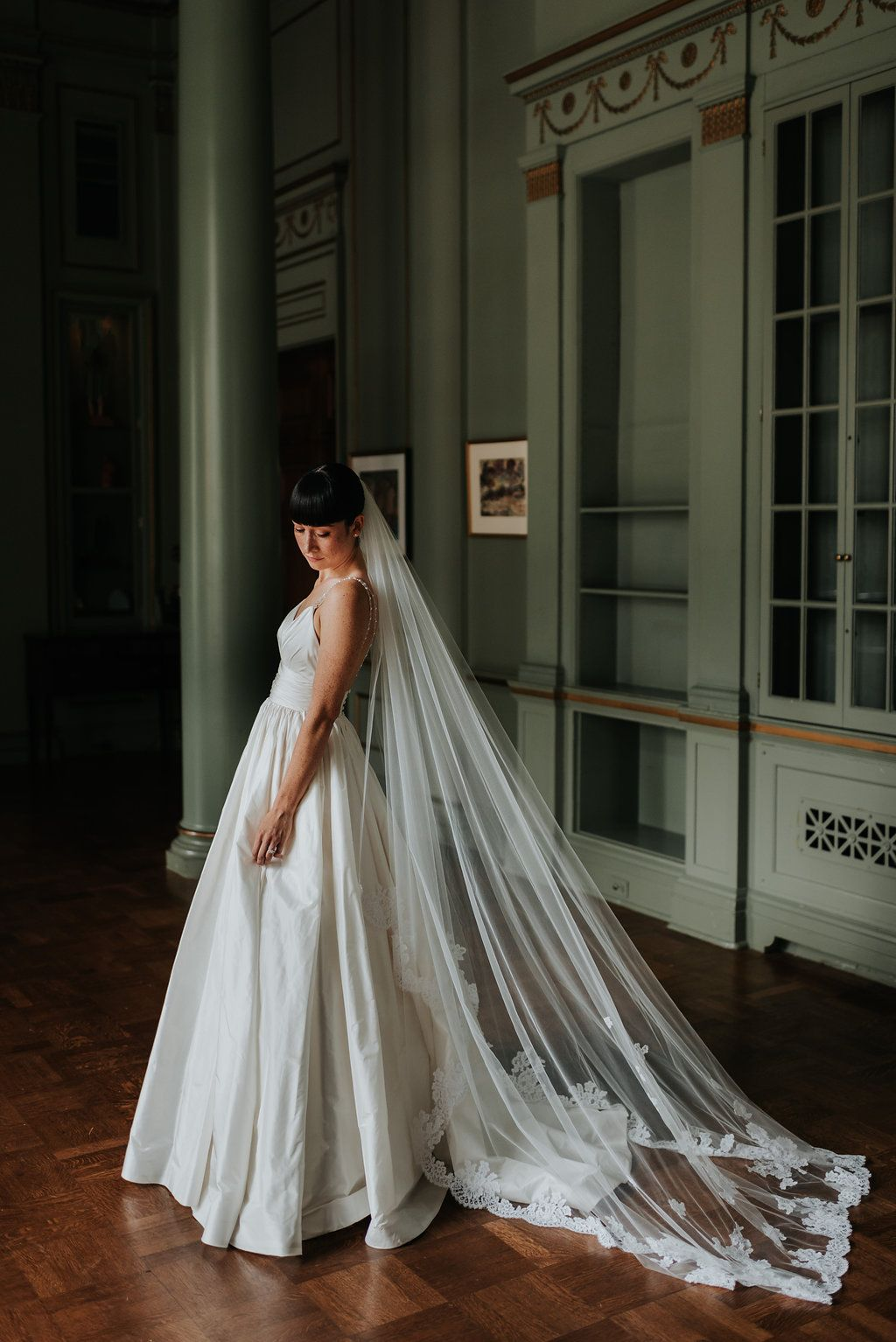 14578c02ab6 Real Lea-Ann Belter Bride Meg + Andrew s Modern Wedding at the University  Club of Toronto