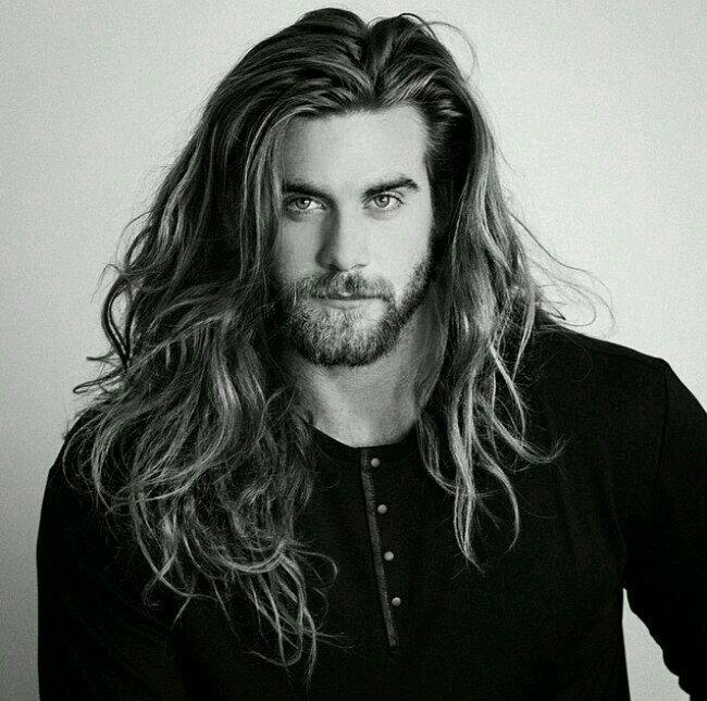 Mit Dieser Lowenmahne Liebe Ich Maennerfrisuren Club Lange Haare Manner Undercut Lange Haare Manner Frisuren Lang