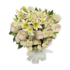 Mixed Bouquet Lovely Mixed Bouquet Of 5 Carnations 8 Lilies 5 Anthuriums Will Make People Say Amazi Flowers Delivered Send Flowers Online Flower Delivery