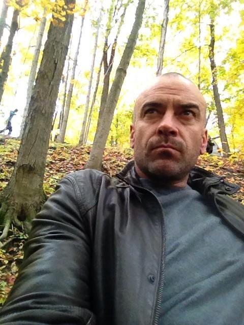 Alan Van Sprang @alanvansprang · Oct 15 In the woods with a beast. :))) #BATB