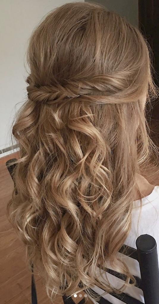 Idées de coiffure mariage  Les ondulations wavy sur cheveux longs