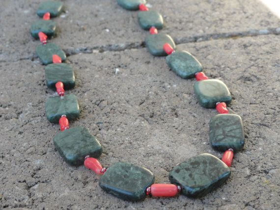 Green and Red Square Stones Beaded Necklace