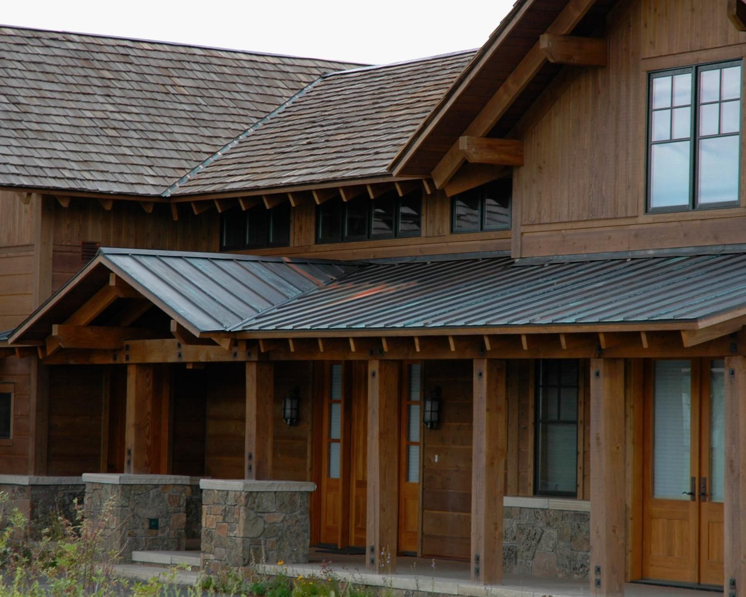 Using Metal Roofing as an Accent to Beautify and Protect