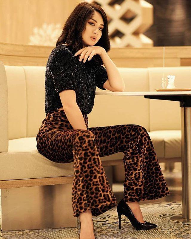 Cute Model, Wutt Hmone Shwe Yis Casual Fashion Dress