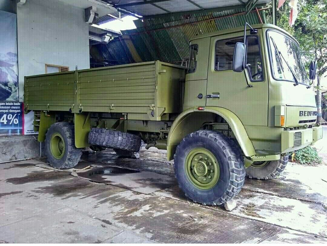 Bedford Pengabdian Bedford Truck Expedition Truck Army Vehicles