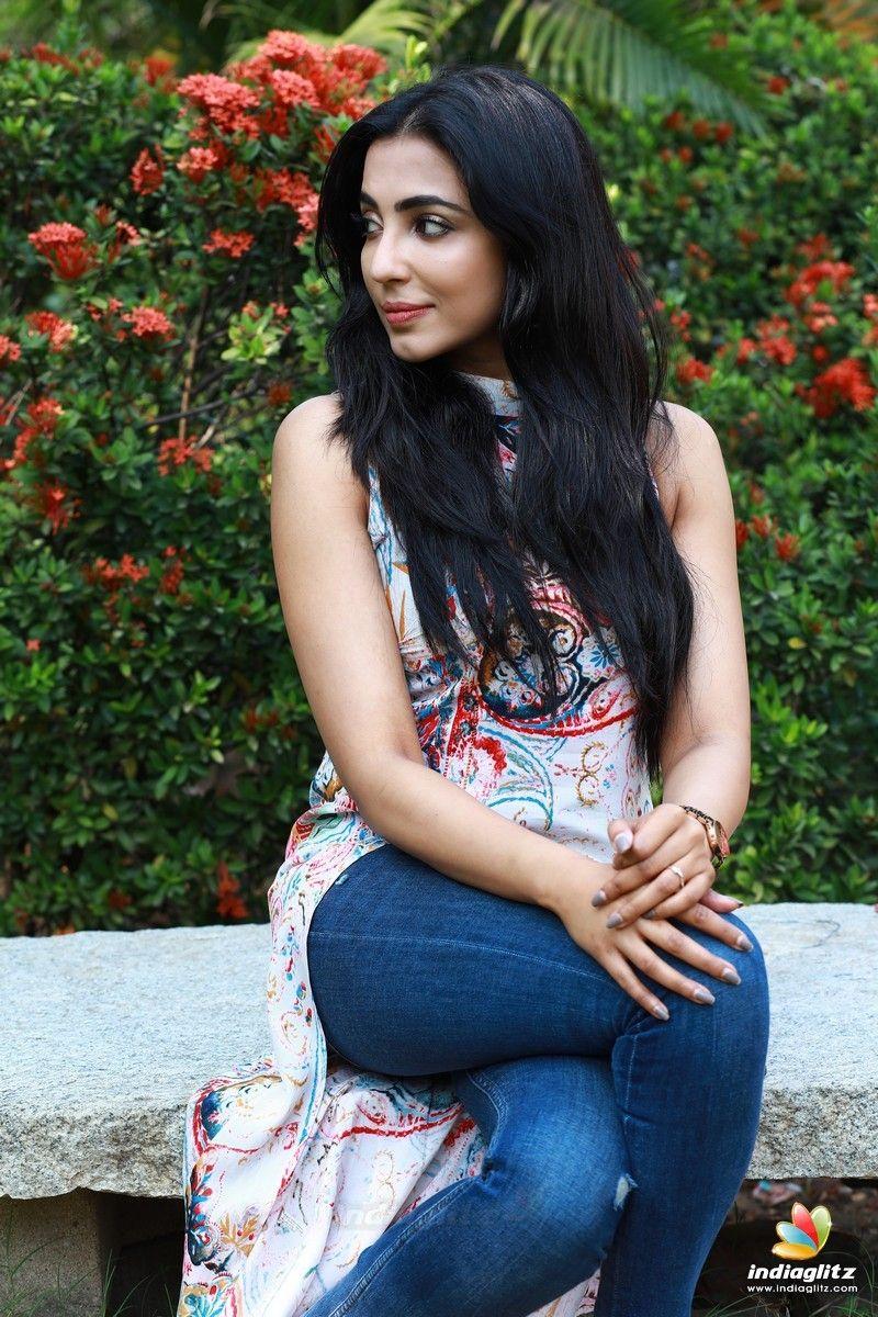 Actress Parvathy Nair Latest Photos   Actress photos, Nair