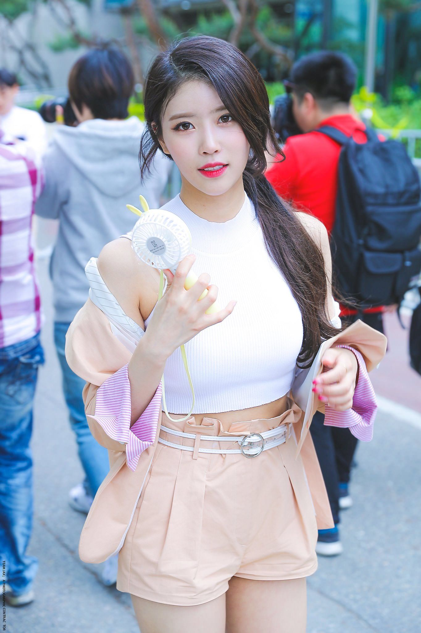 Lovelyz MiJoo | 여자 교복, 케이팝 패션, 여성