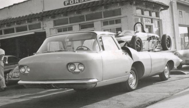 HOLTKAMP Racing Car Transporter. Posthumous Peter Pré resin slot car model made by Proto Slot Kit.