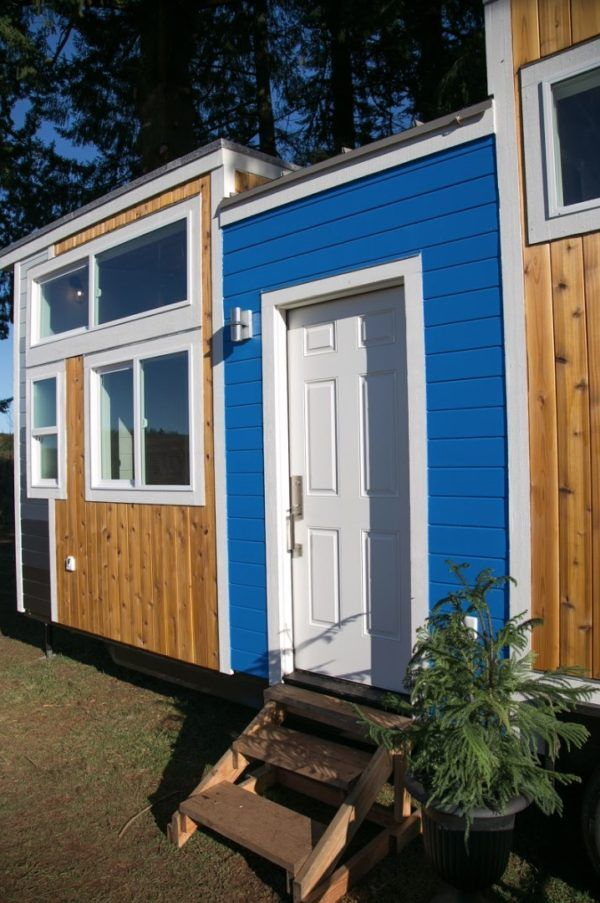 Best 275 Sq Ft Tiny House With Separate Industrial Kitchen 400 x 300