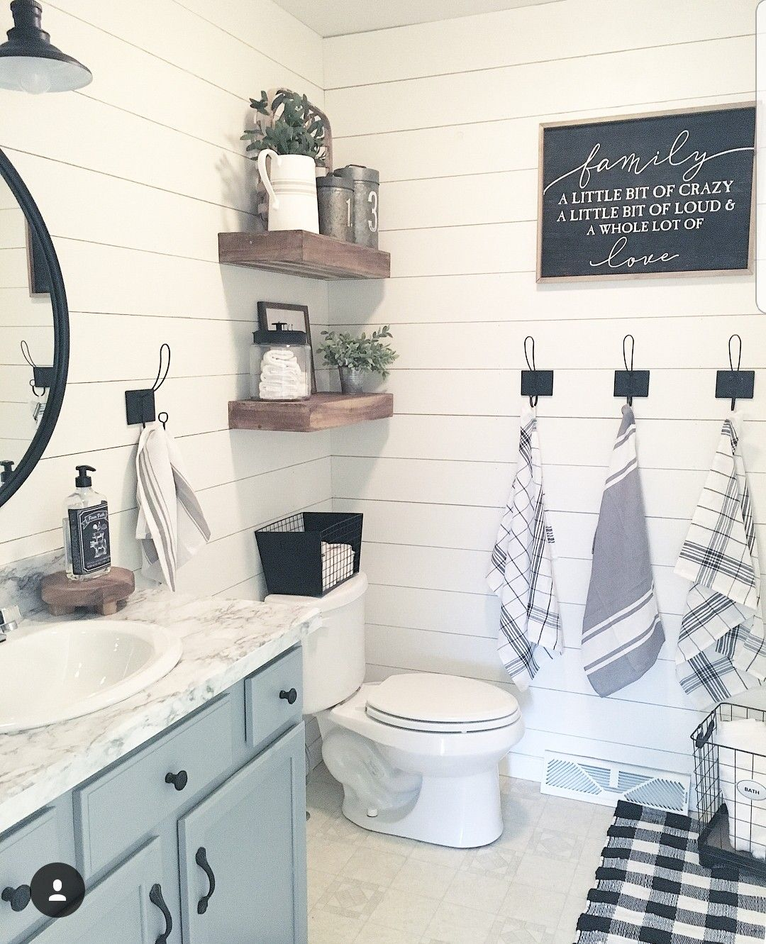 Https Www Instagram Com P Blnol Gfh8e Utm Source Ig Share Sheet Igshid 1iczlnx6typwo Farmhouse Bathroom Decor Bathroom Decor Modern Farmhouse Bathroom