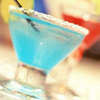 12 Delicious Holiday Cocktails #christmasmargarita Blue Christmas Margaritas #christmasmargarita