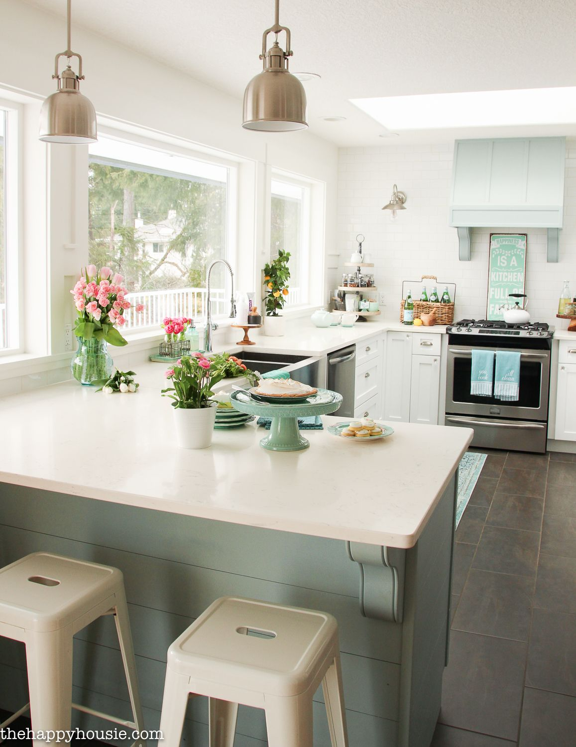 Coastal Cottage Style Spring Kitchen Tour The Happy Housie Beach Cottage Kitchens Cottage Style Interiors Coastal Cottage Style