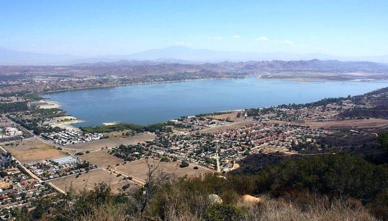 How far is Temecula from San Bernardino