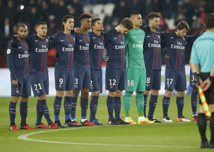 Silêncio E Homenagem De Cavani: PSG Vence Angers E Lembra