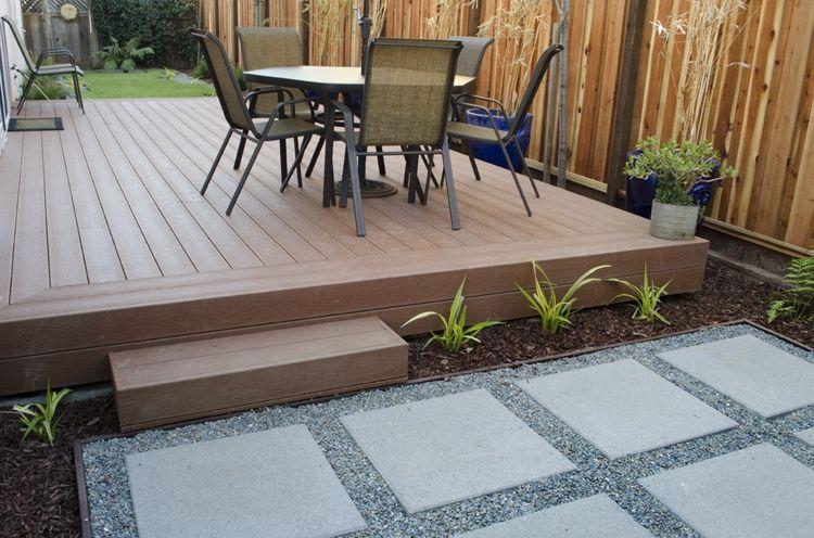 Terrassenplatten Aus Beton Quadratisch Kies Fugen Grau Holz Terrasse