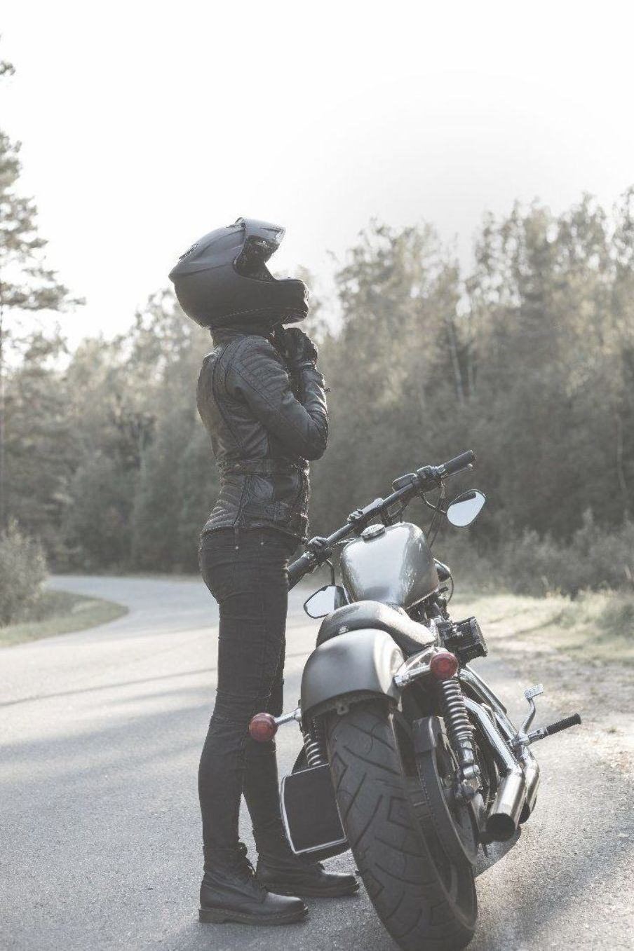 Female Motorcycle Rider With Images Motorcycle Women Female